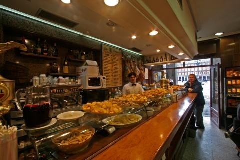 Madrid-Plaza_Mayor-Tapas_bar